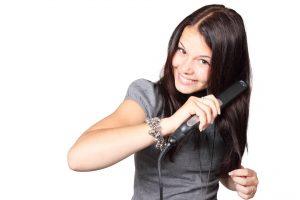 Domowe sposoby na regenerację włosów suchych i zniszczonych